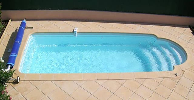 Aquastyles - piscine SKIROS